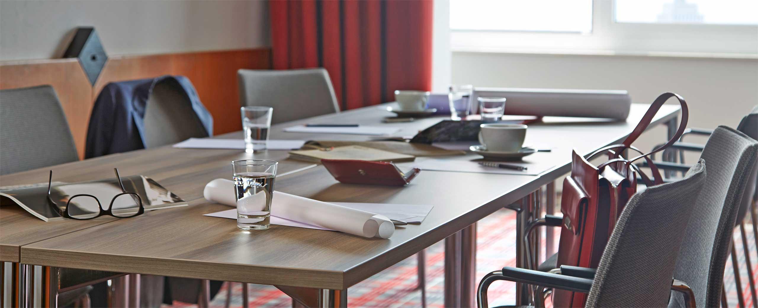 Ausstattung der Tagungs- und Konferenzräume